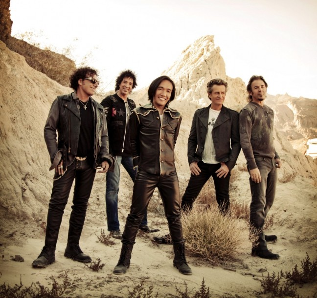 JOURNEY2-Image-Credit-Travis-Shinn-L-R-Neal-Schon-Deen-Castronovo-Arnel-Pineda-front-Ross-Valory-Jonathan-Cain-supplied-RF-07.02.13