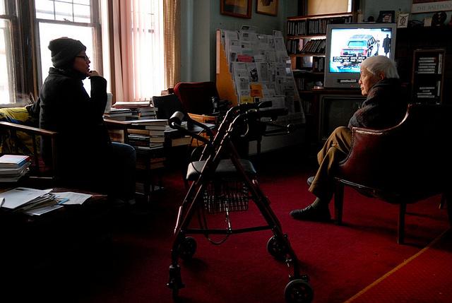 Grace Lee interviews Grace Lee Boggs. Photo credit: Quyen Tran.