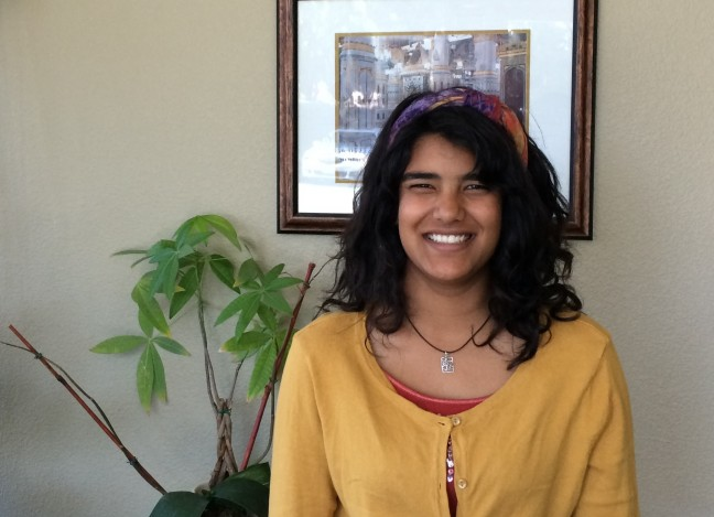Dalia participates in the Muslim Youth Voices filmmaking workshop in Fremont, CA. Photo by Hardeep Jandu.