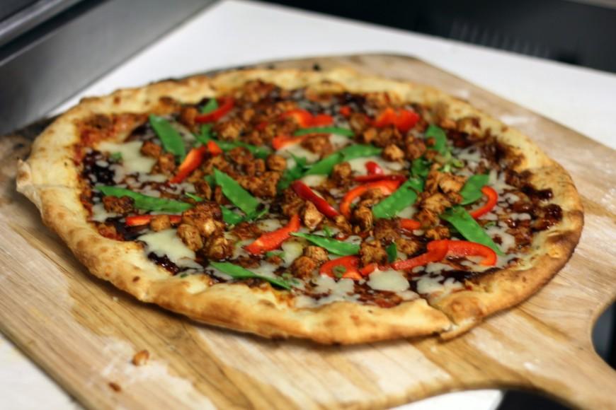 Szechuan chicken pizza