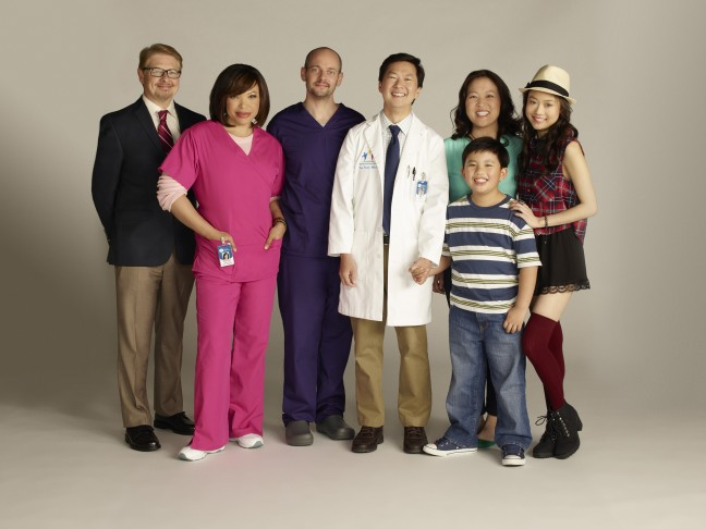 "ABC's ""Dr. Ken"" stars Dave Foley as Pat, Tisha Campbell-Martin as Damona, Jonathan Slavin as Clark, Ken Jeong as Dr. Ken, Albert Tsai as Dave, Suzy Nakamura as Allison and Krista Marie Yu as Molly. (ABC/Michael Desmond)"