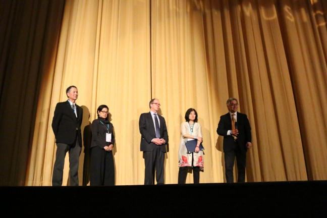 """From left to right: David Lei, Mae Ngai, Ric Burns, Li-Shin Yu and Stephen Gong during the Q&A after the screening of """"THE CHINESE EXCLUSION ACT"""" documentary on March 19, 2017."""