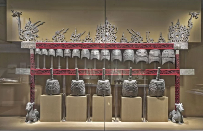 See the Tomb Treasures exhibit at the Asian Art Museum with a private tour guide.